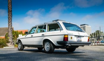 Mercedes W123 Wagon-White full